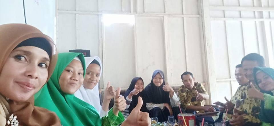 Siswa SMK Ma'arif 2 Temon Menuju UNY