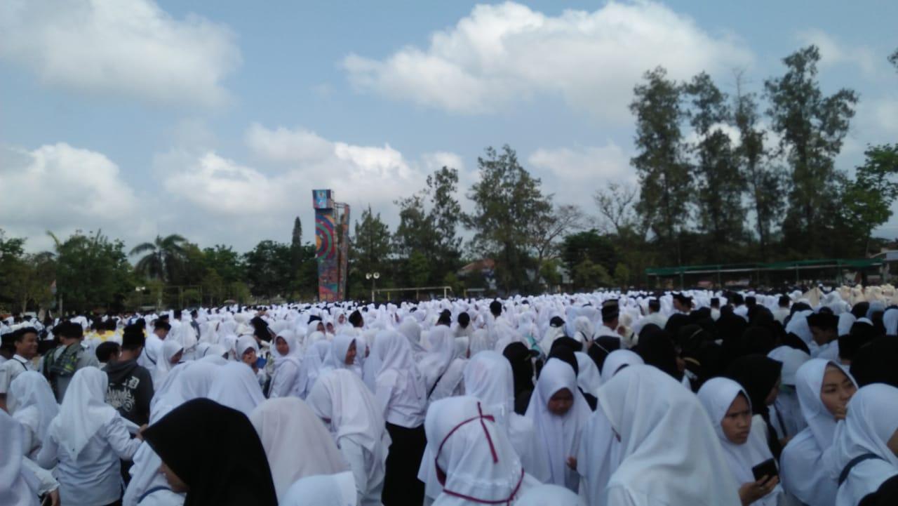 SMK Ma'arif 2 Temon Upacara Peringatan Hari Santri Dilanjutkan Kirab