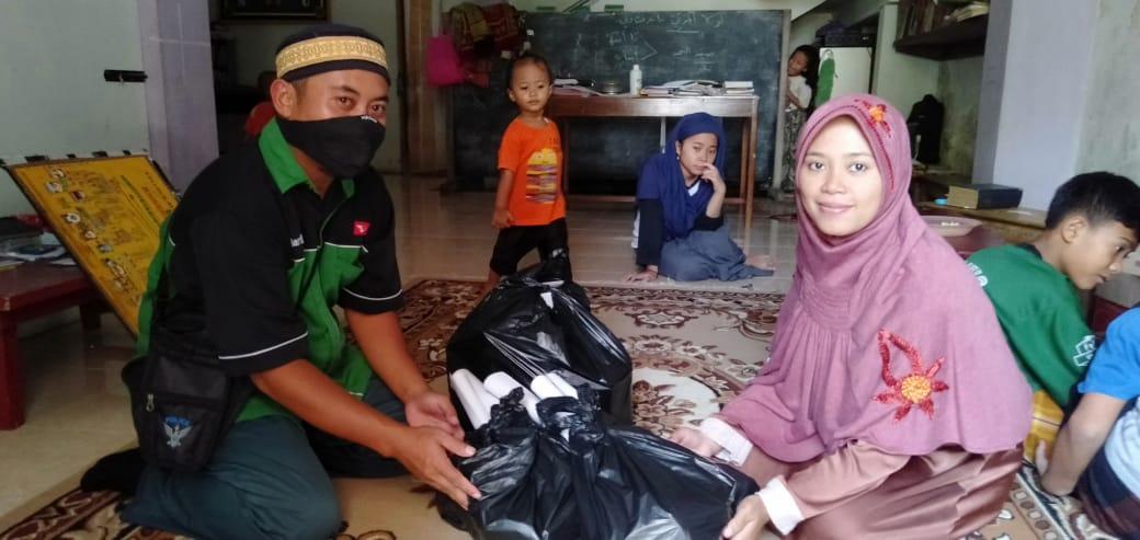 BANSOS SMK MA'ARIF 2 TEMON DALAM RANGKA TANGGAP DARURAT BENCANA VIRUS COVID-19